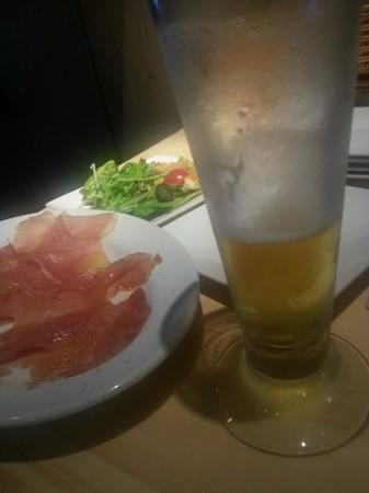 千歳船橋マルニモッコのタパス&アウグスビール