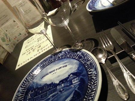 軽井沢ロンギングハウスさん、レストラン最初のテーブルセット