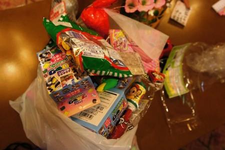 今板温泉 湯本舘縁日で獲得した、おもちゃとお菓子!!